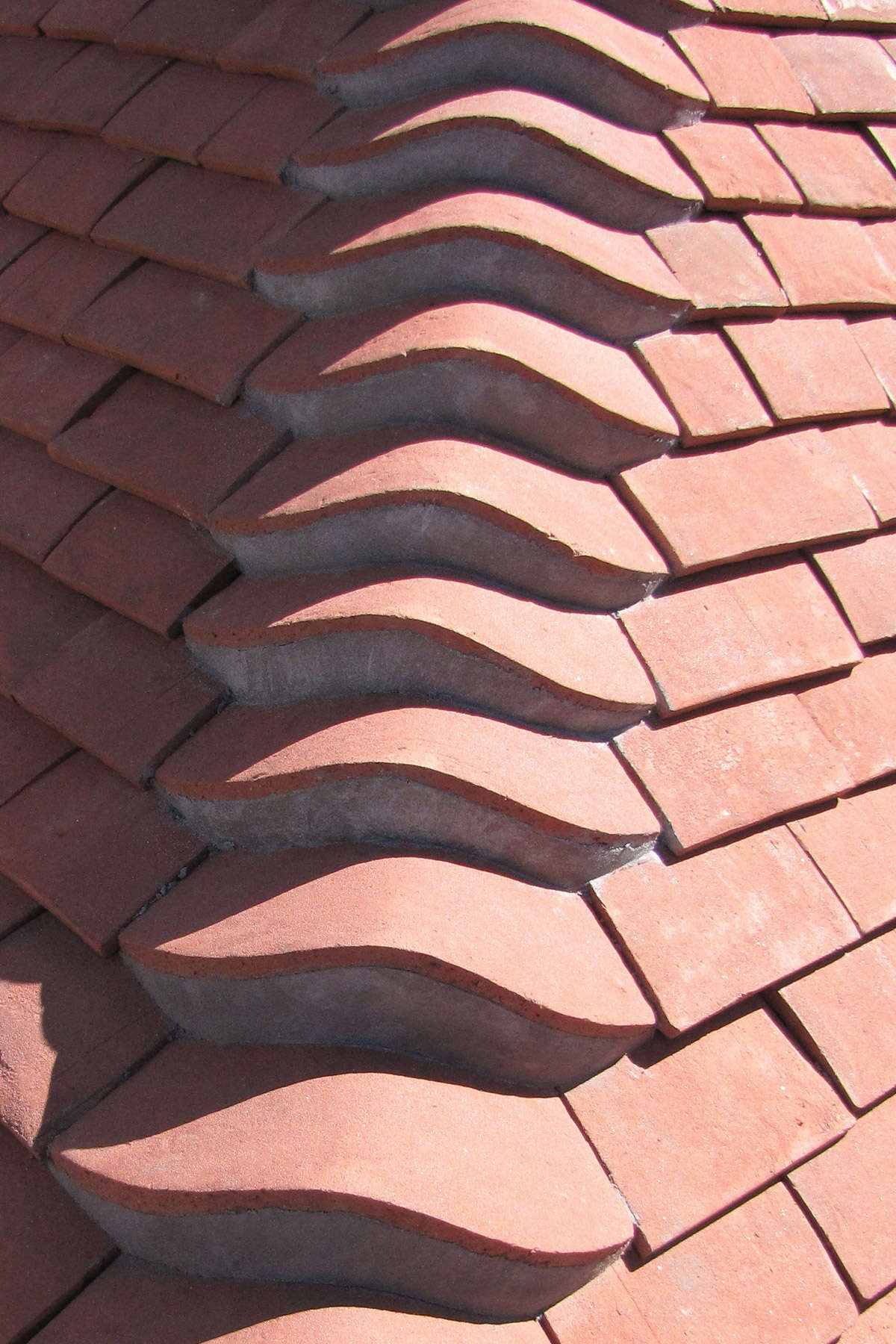 Tudor Roof tile Eyebrow hip